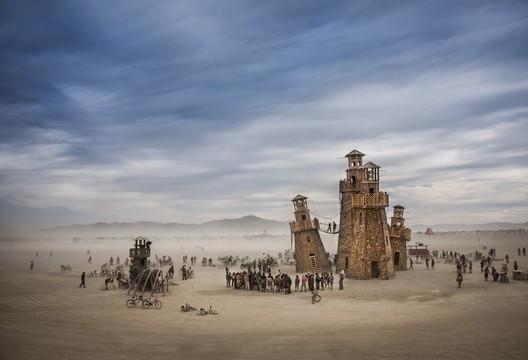 Black Rock Lighthouse Service in the Nevada desert (Burning Man), USA. Image © Tom Stahl