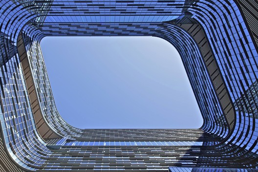 Samsung Electronics HQ building, San Jose, California, USA / NBBJ. Image © David Crawford