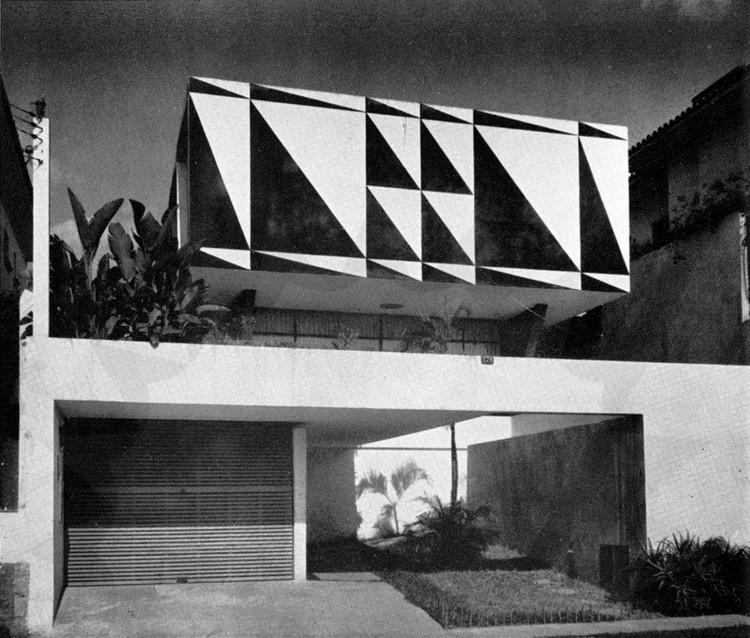 Clássicos da Arquitetura: Casa dos Triângulos / João Batista Vilanova Artigas, © José Moscardi - Via Revista Acrópole, nº282, p.192, Maio 1962