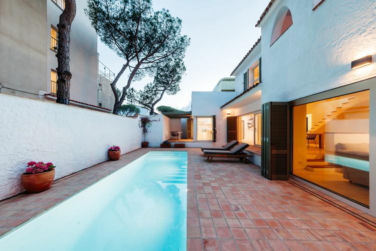 Casa Veraniega en Platja d'Aro / Pepe Gascón Arquitectura, © Aitor Estévez