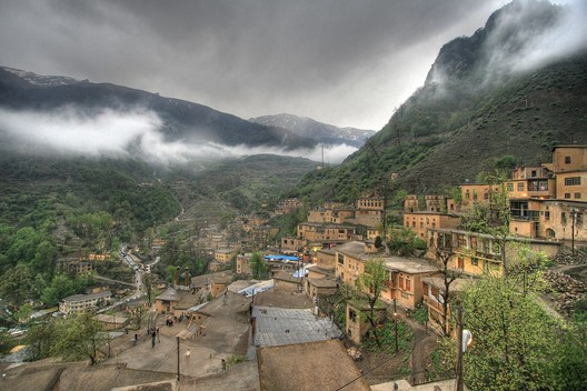 © Shahram Sharif <a href='https://commons.wikimedia.org/wiki/File:Masouleh_-Iran.jpg'>via Wikimedia</a> licensed under <a href='https://creativecommons.org/licenses/by/2.0/deed.en'>CC BY 2.0</a>