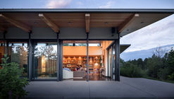 The Cherry Residence / Semple Brown Design