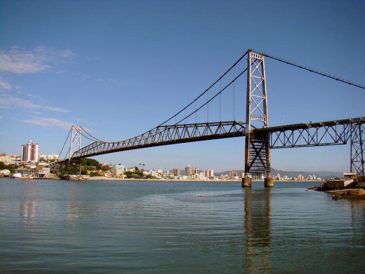 Ponte Hercílio Luz será reaberta para pedestres e ciclistas em Florianópolis, Ponte Hercílio Luz, Florianópolis. Image © Rodrigo Soldon, via Flickr. Licença CC BY 2.0