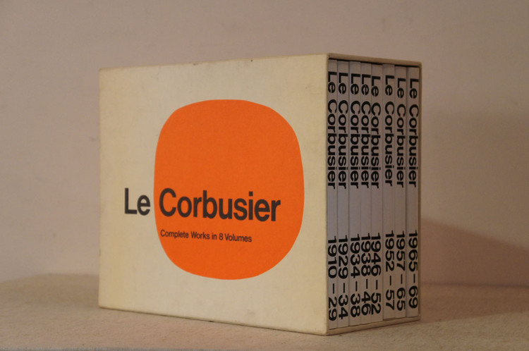 1708 Pages of Le Corbusier's Complete Works (1910-1969) Available In Entirety, via <a href='http://https://lh3.googleusercontent.com/-ajeNSyIMt00/Wdf0aHaH3fI/AAAAAAAAJ_0/ROFMMWl1tBIibNQAvU2FT-0nvM-qMV3sACL0BGAYYCw/h746/84959.jpeg'>http://www.natsume-books.com/</a>