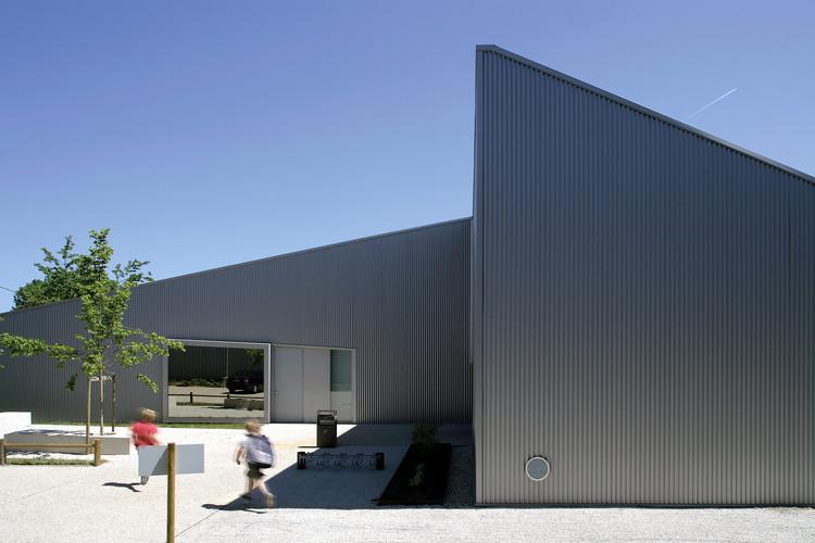 Centro cultural y deportivo Poix-Terron / philippe gibert architecte, © Nicolas Waltefaugle