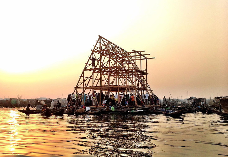 Precisamos pensar em arquiteturas flutuantes?, © NLÉ architects. ImageEscola Flutuante em Makoko / NLÉ Architects