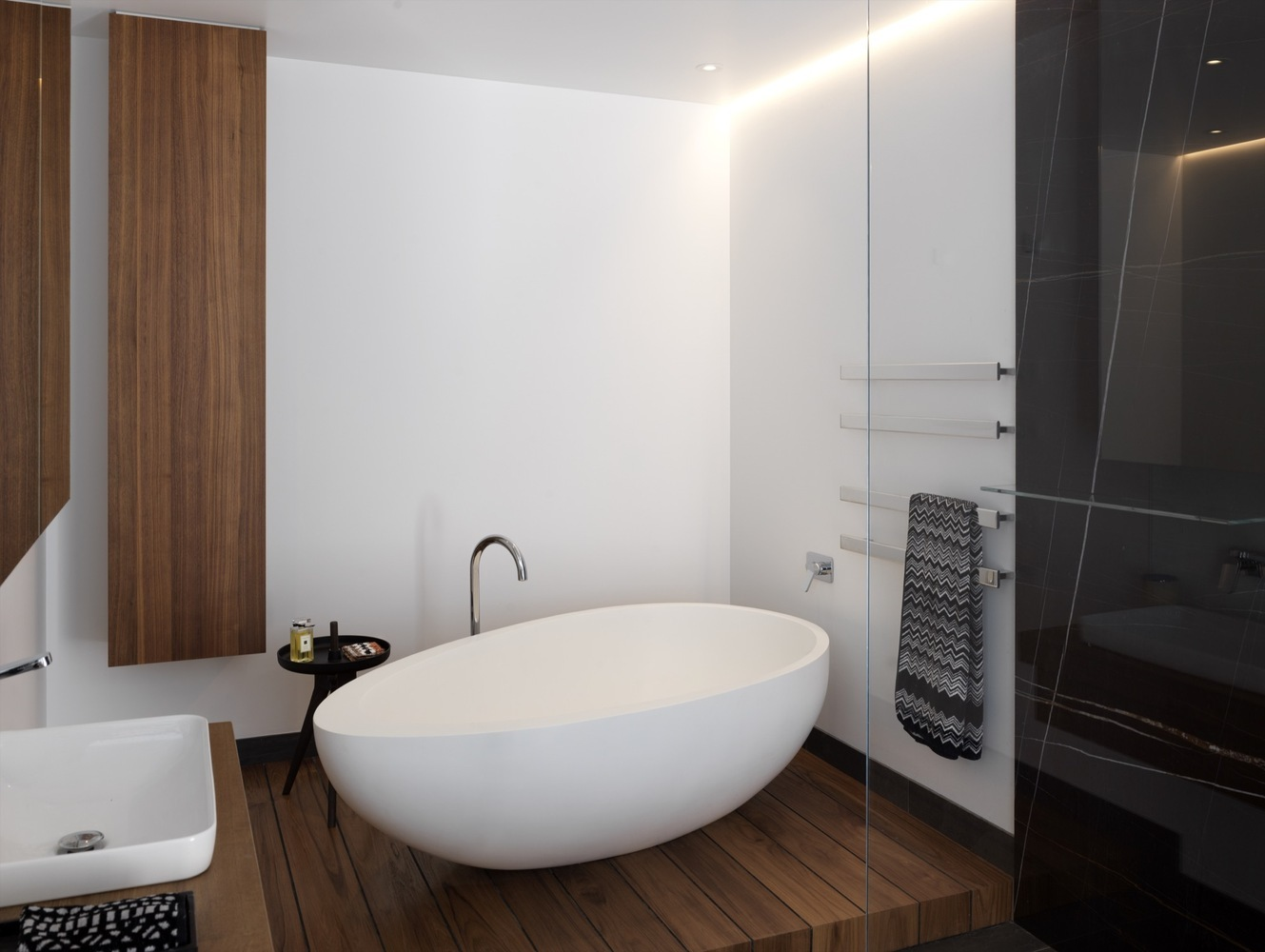 Gallery of Draw Inspiration From These 21st Century Bathroom Designs ...