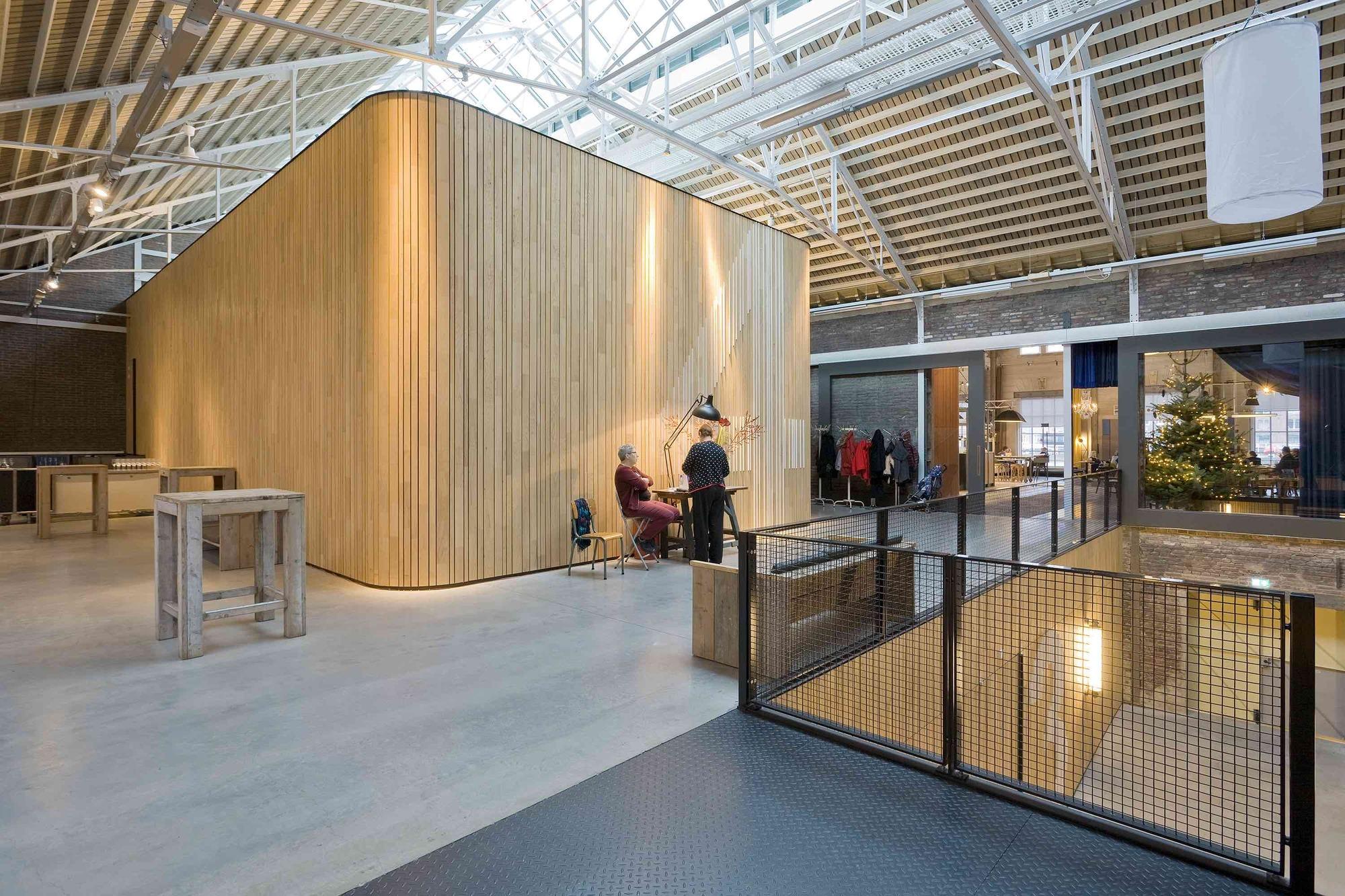 gallery of lumi re cinema maastricht jhk architecten. Black Bedroom Furniture Sets. Home Design Ideas