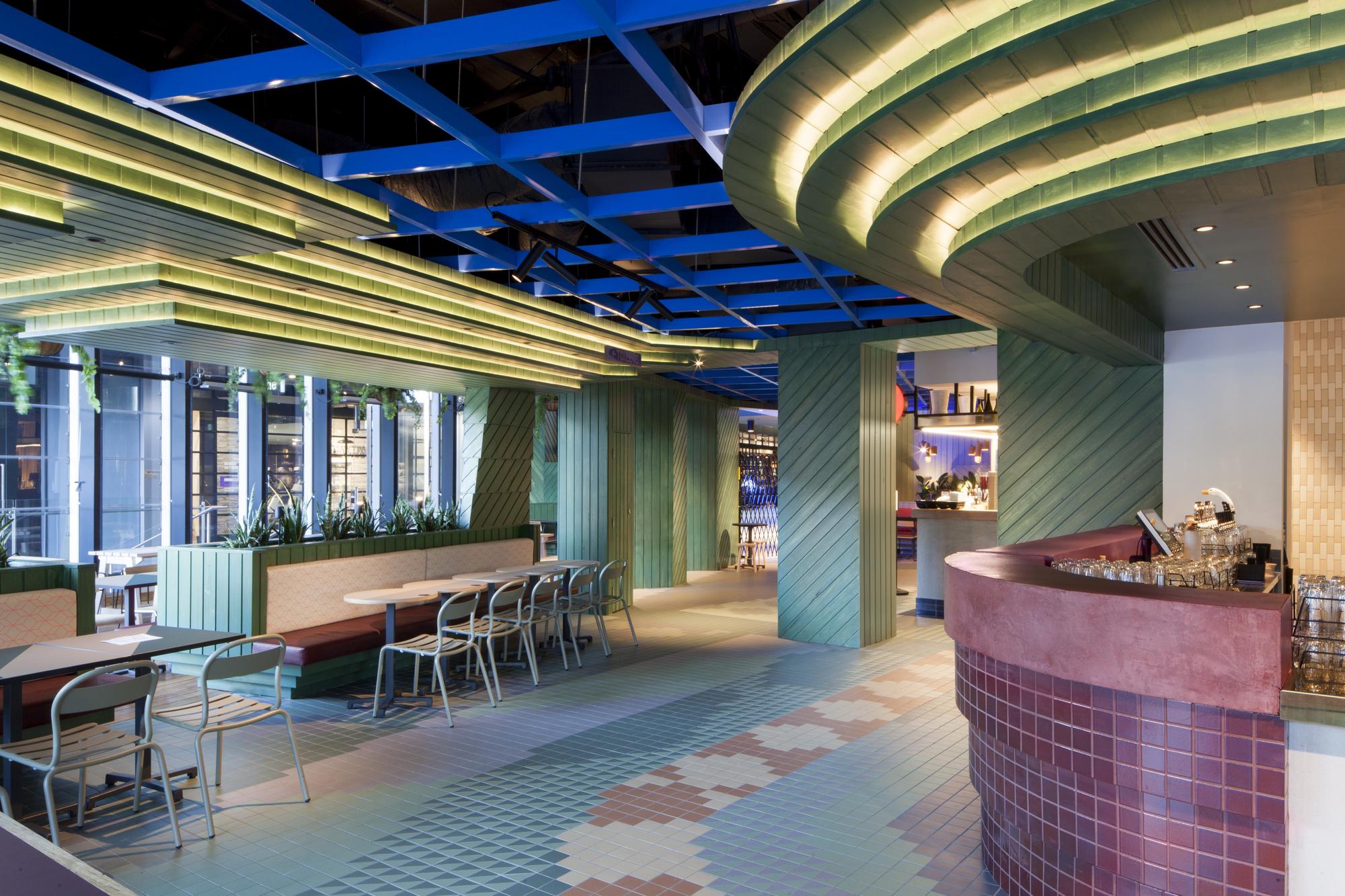Hightail Bar / Techn Architecture and Interior Design