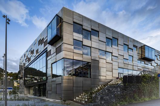 Faculty of Fine Art, Music and Design of the University of Bergen / Snøhetta