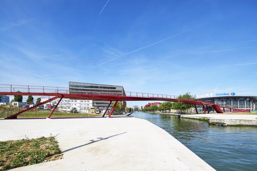Millénaire Footbridge / Explorations Architecture