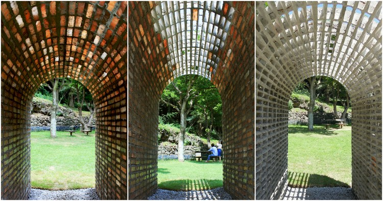 This Brick Arch Installation Dissolves in the Rain to Leave a Mortar Skeleton, © EH(Kyoungtae Kim) + stpmj