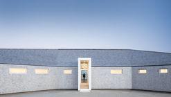 Sluice Point House / Omar Gandhi Architect
