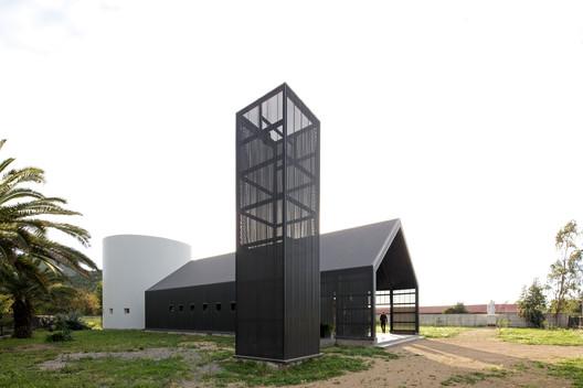 Totihue Chapel / Gonzalo Mardones Arquitectos . Image © Nico Saieh