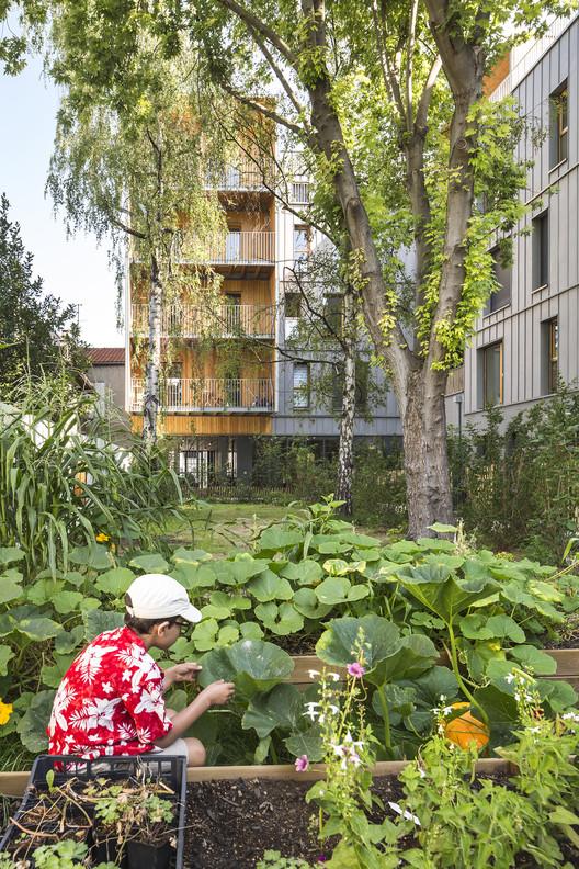 Le Bourg Dwellings / archi5, © Sergio Grazia