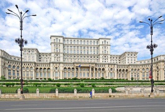 3. Palace of the Parliament, Bucharest ($3 billion). Image © <a href='https://www.flickr.com/photos/archer10/7557753382'>Flickr user Dennis Jarvis</a> licensed under <a href='https://creativecommons.org/licenses/by-sa/2.0/'>CC BY-SA 2.0</a>