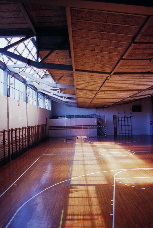 Vista interior del gimnasio Colegio Maravillas. Image Cortesía de Fundación Alejandro de la Sota