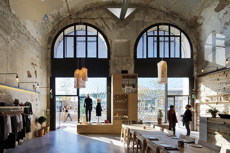 Tienda de recuerdos Essentiel / Rémy MARCIANO architecte, © Takuji Shimmura