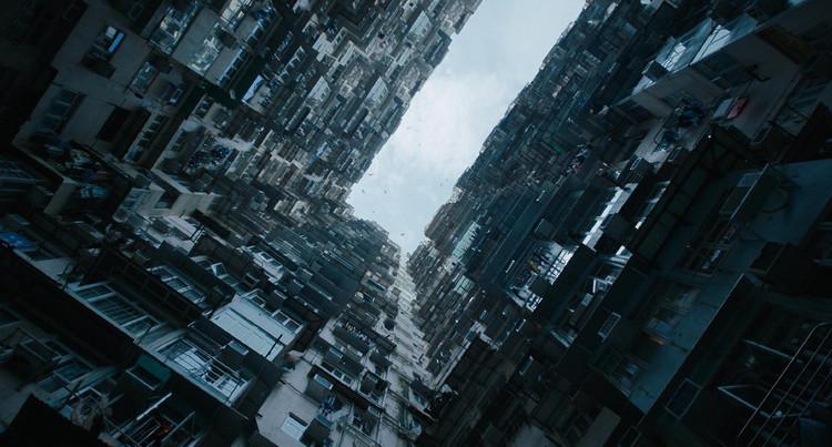 Literatura e Arquitetura: Neuromancer - Lembranças de um futuro presente, Condomínios intermináveis na adaptação para cinema de Ghost in the Shell (2017). Fonte: Screenshot do filme