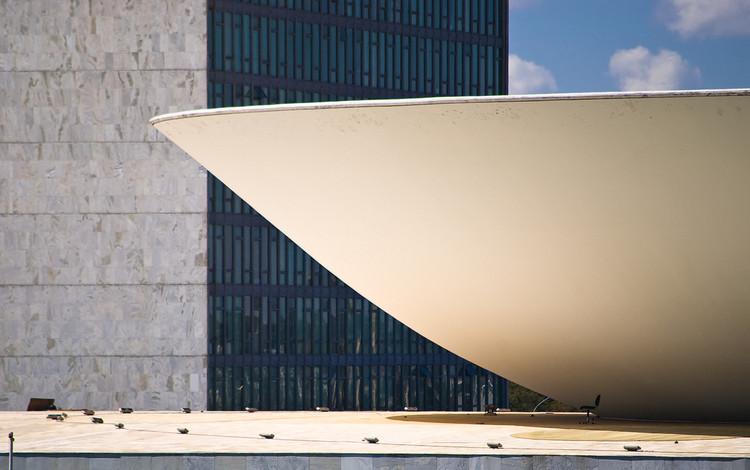 "Pensar a sociedade, fortalecer a arquitetura: IAB 2017-2020, © <a href=""https://www.flickr.com/photos/chris_diewald/2657614704/"">Christoph Diewald</a> via <a href=""https://visualhunt.com/re/6c0393"">VisualHunt</a> / <a href=""http://creativecommons.org/licenses/by-nc-nd/2.0/""> CC BY-NC-ND</a>"