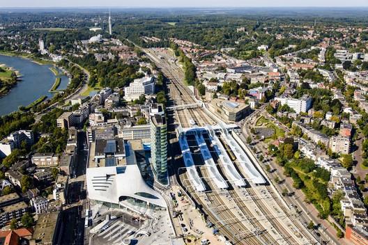 Arnhem Central Station Masterplan / UNStudio. Image © Siebe Swart