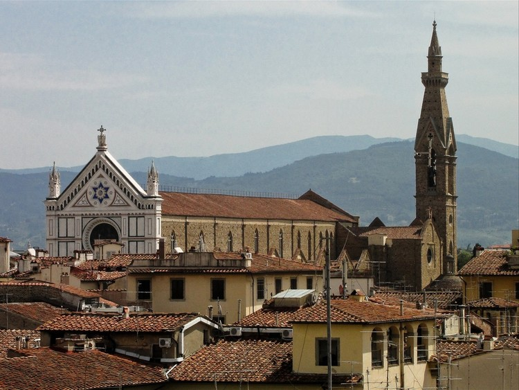Falling Masonry Kills Tourist in Florence's Deteriorating Basilica di Santa Croce, © <a href='https://www.flickr.com/photos/37873897@N06/5035043739'>Flickr user Flavio~</a> licensed under <a href='https://creativecommons.org/licenses/by/2.0/'>CC BY 2.0</a>