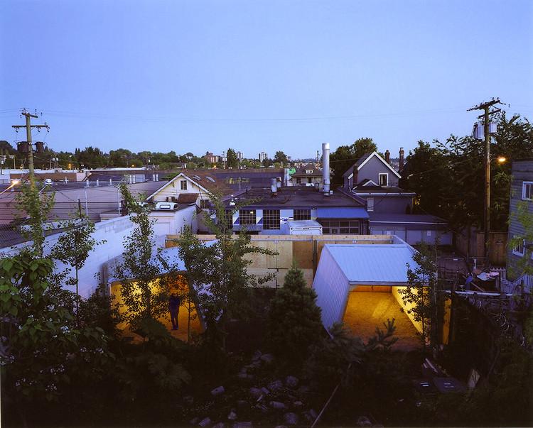 Two Sheds / Giaimo, © Lori Kiessling