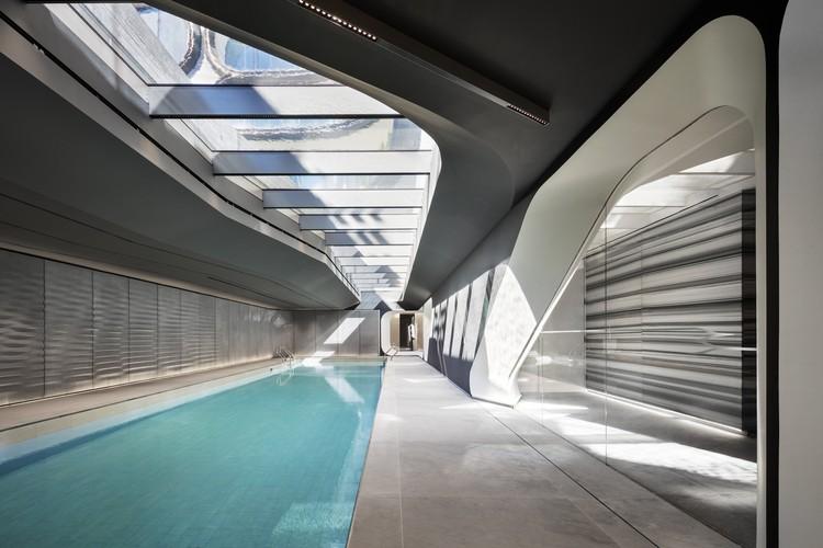 Primeiras imagens dos espaços coletivos do edifício de Zaha Hadid Architects próximo ao High Line , © Scott Frances
