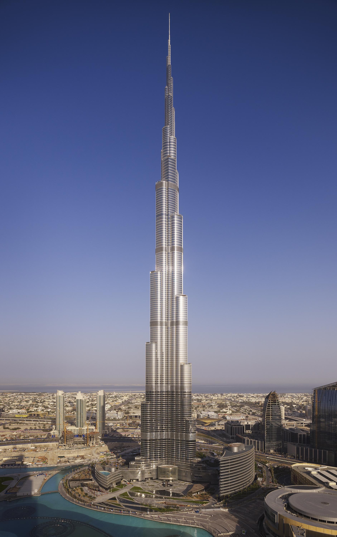 Burj_Khalifa_SOM_exterior_(c)_Nick_Merrick_for_Hedrich_Blessing_(9)