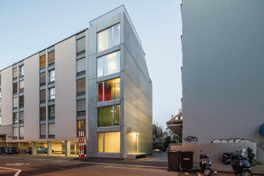 ELLI – Residential Building and Studio / Holzer Kobler Architekturen