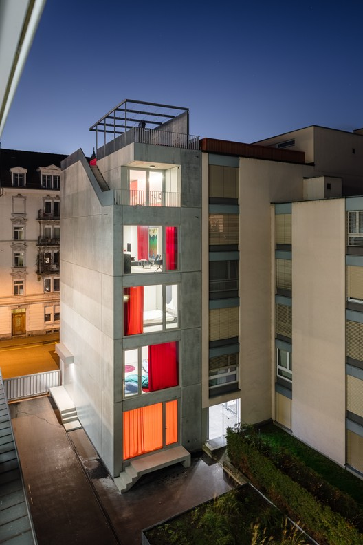 elli residential building and studio holzer kobler. Black Bedroom Furniture Sets. Home Design Ideas