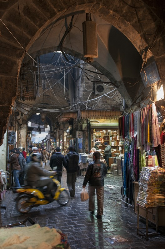 Syria, Souk of Aleppo. A crossroads in the Souk of Aleppo before the fire, 2012. Ekaterina Zhuravleva/ Flickr/ World Monuments Fund
