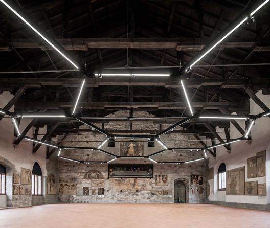 Sala delle Capriate at Palazzo della Ragione / CN10 architetti