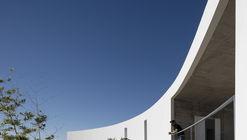 Casa en Alcalar / Vitor Vilhena Arquitectura
