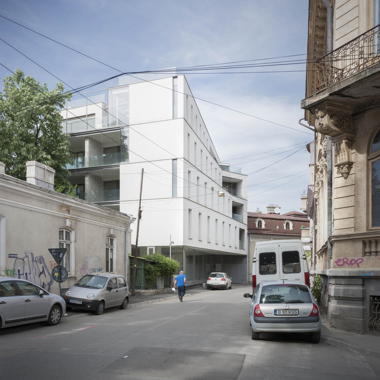 Aaron Florian Housing / ADNBA, © Andrei Margulescu