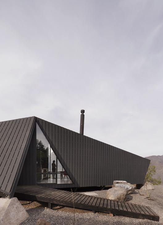 RF.C9 - Mountaineer's Refuge / Gonzalo Iturriaga Atala