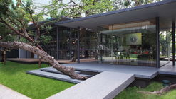 NRT - Nailert Park Heritage Home / seARCHOFFICE