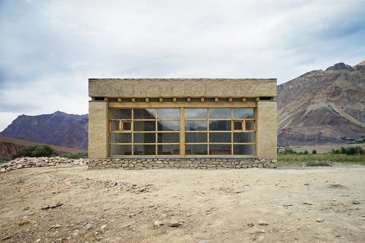 Tanpo Solar School / Csoma's Room Foundation, © Balázs Szelecsényi