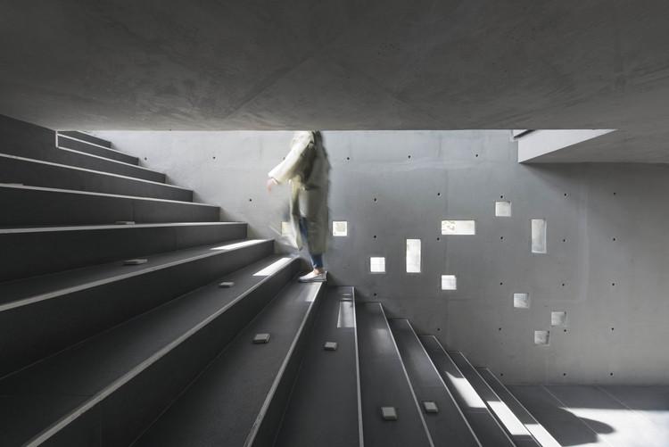 Concrete Restaurant / Boozhgan Studio, © Deed Studio
