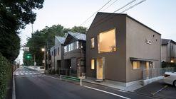 Casa en Minami-Ogikubo  / CASE-REAL
