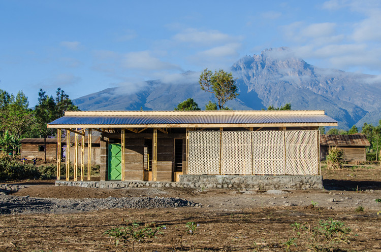 Biblioteca Amani / Social Practice Architecture, © Lara Briz