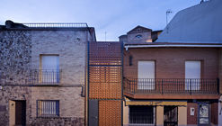 Casa Piedrabuena / MUKAarquitectura