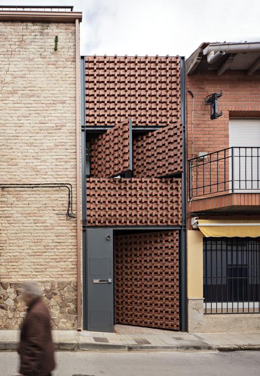 Piedrabuena House / MUKAarquitectura | ArchDaily