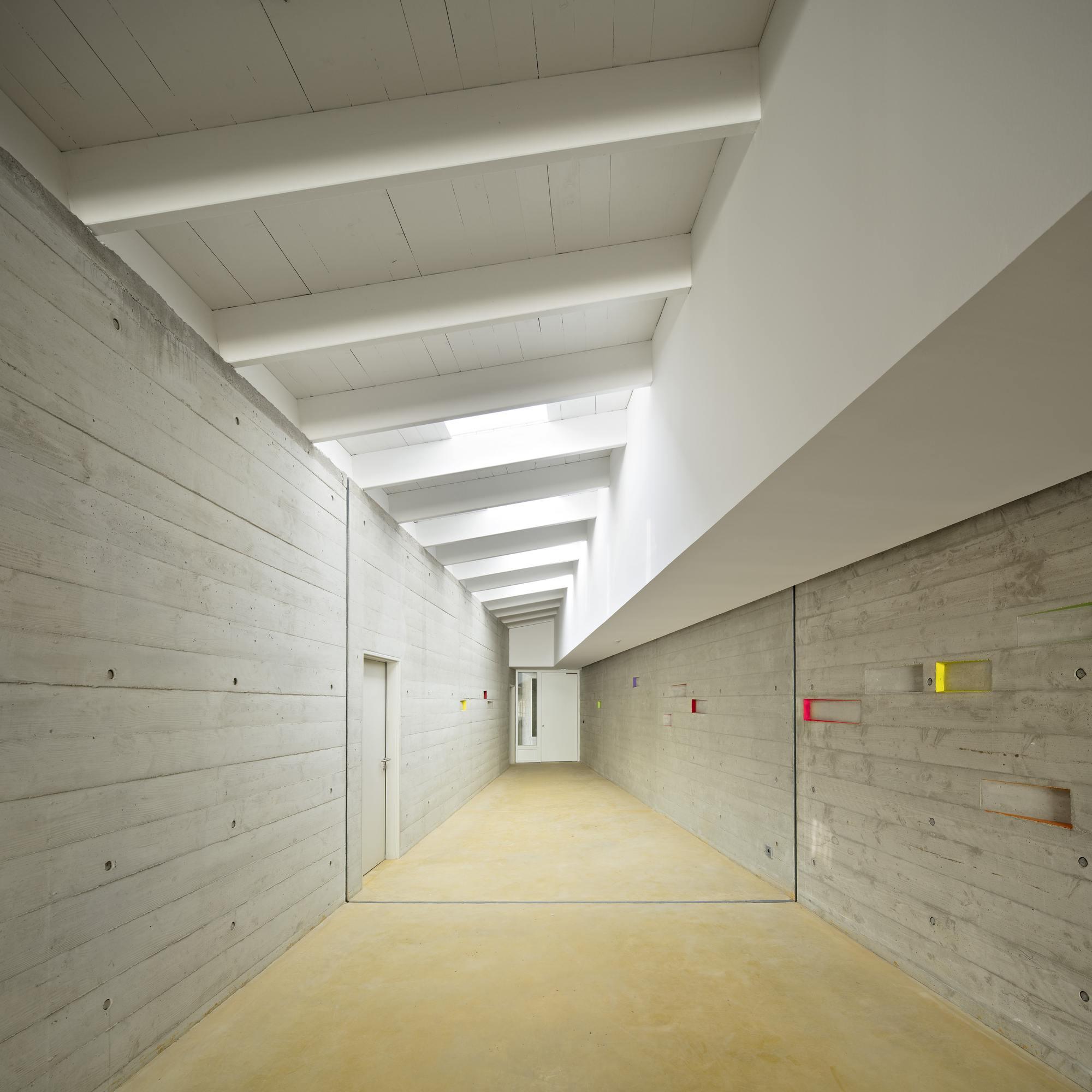 gallery of juvenile detention educational facility combas architectes 16. Black Bedroom Furniture Sets. Home Design Ideas
