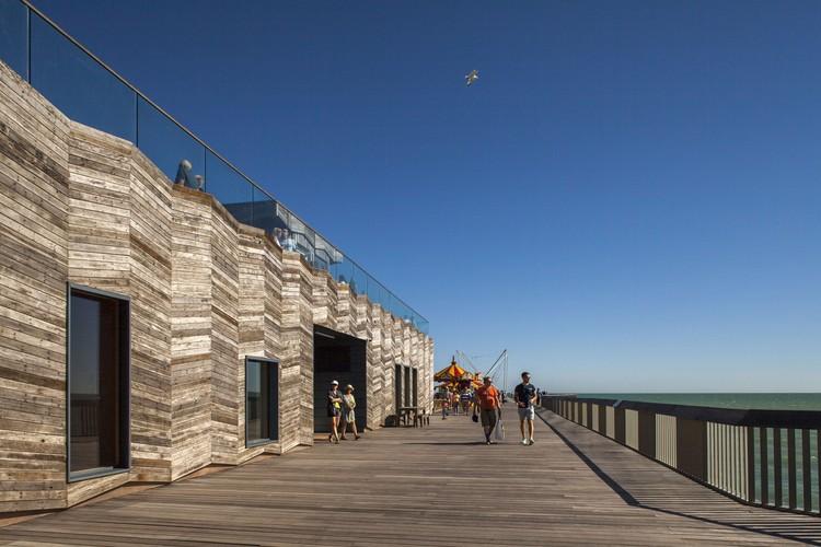 Hastings Pier é considerado o melhor projeto de 2017 no Reino Unido, segundo o RIBA Stirling Prize, Hastings Pier / dRMM. Image © Francesco Montaguti
