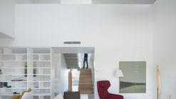 AYM House / Esther Vicario Azcona