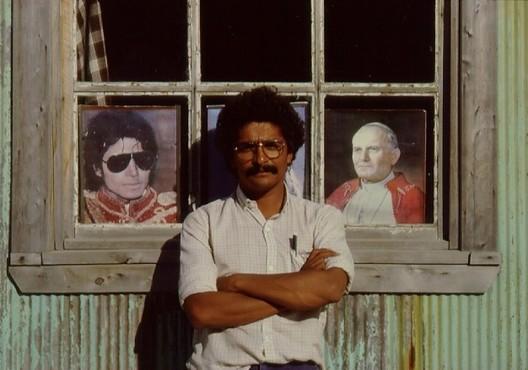 Edward Rojas a los arquitectos jóvenes: 'Es posible hacer buena arquitectura en cualquier lugar del mundo', Edward Rojas en Achao, 1978. Image © Edward Rojas