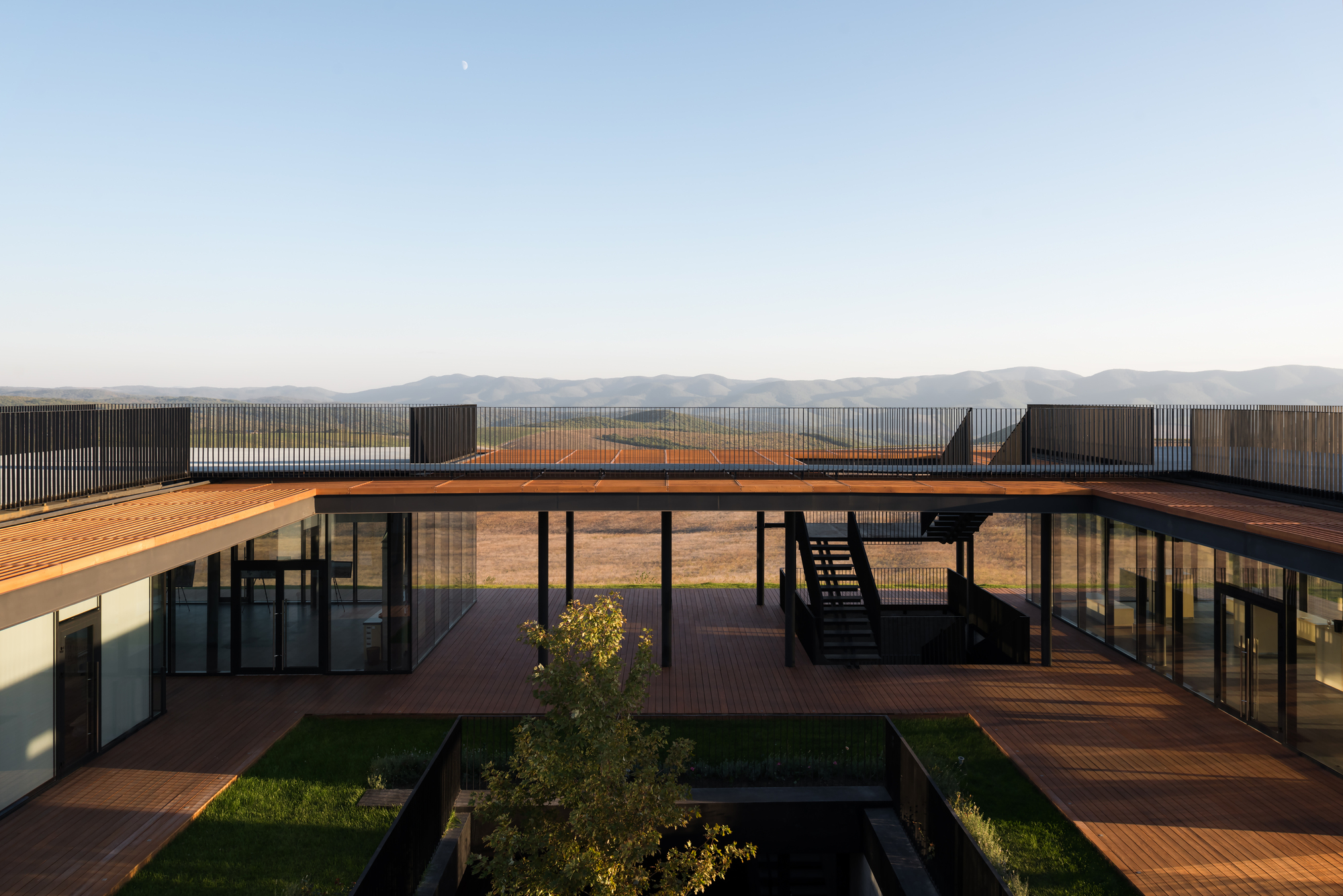 Bodega de vino gai kodzor kleinewelt architekten for Winery floor plans by architects
