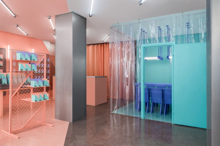 Segunda Tienda de Doctor Manzana / Masquespacio, © Luis Beltran