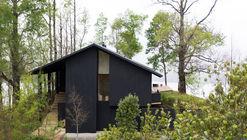 Casa CS Lago Calafquen / Claro + Westendarp arquitectos